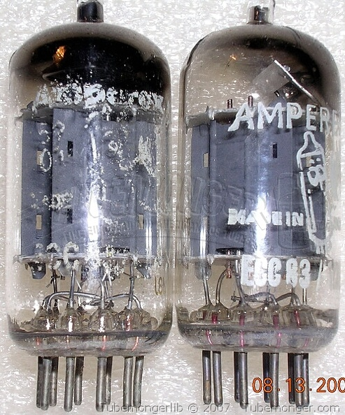 Amperex Philips ECC83 12AX7 1950s Long Plates D Getter Bugle Boy Label - Heerlen Holland.jpg